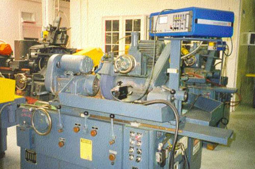 """10""""x20"""", Landis, No. 1R, 1-2MT, 16"""" GW, Plunge, Pick Feed, Auto. Truing, Gaging, Excellent, 1969-1980;_4"""
