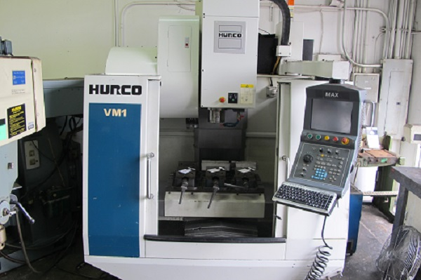 """26""""X, 14""""Y, 18""""Z, Hurco VM-1, New 2004, 40 Taper, 8000 RPM, Coolant, Excellent"""